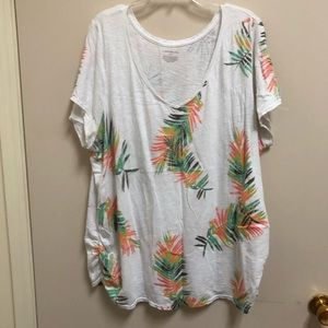 Lane Bryant white tee with feather print 26/28